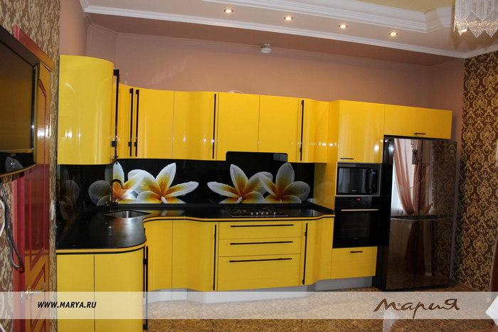 Фото: дизайн кухни 2016 – желтый цвет